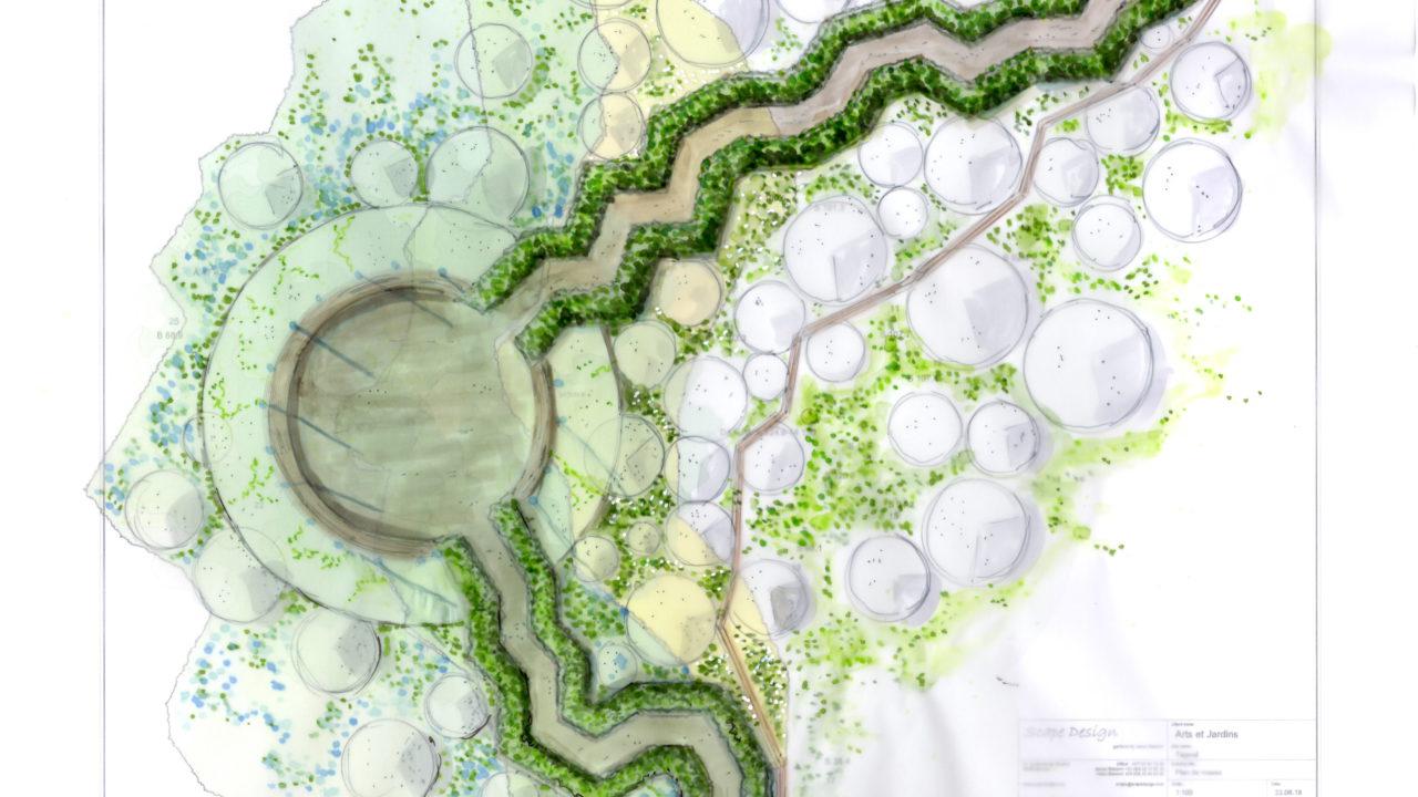 croquis de deux chemins aux lignes cassées délimités par des buissons verts, rejoignent un espace circulaire.